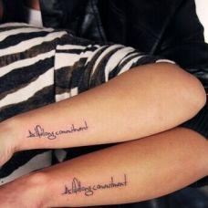 情侣手臂英文字母纹身图案大全