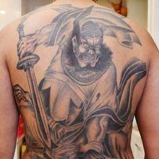 钟馗捉鬼霸气满背纹身图案