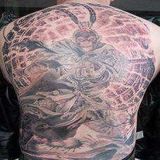 男子满背斗战胜佛纹身图案精选