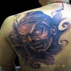 超霸气后肩钟馗驱魔纹身图案