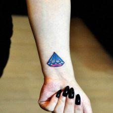 钻石纹身图案女生个性图片