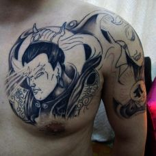 时尚黑白图腾半甲二郎神纹身图案