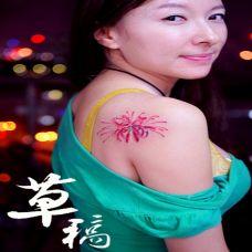 个性的美女彩色彼岸花纹身图案欣赏