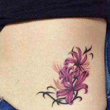 腹部美女彼岸花纹身图案时尚个性