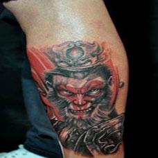男生小腿个性斗战胜佛纹身图案大全
