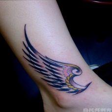 女生脚踝彩色翅膀纹身图案简约时尚