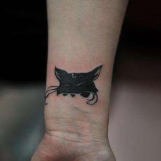个性手上的纹身图片素材