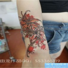 手臂漂亮彼岸花纹身图片大全