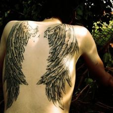 d女生唯美后背翅膀纹身图案大全