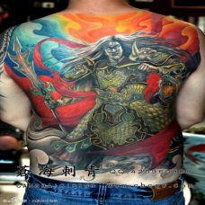 男生背部二郎神纹身图片欣赏