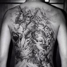 男生后背斗战胜佛纹身图案大全