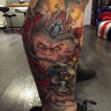 怒火中的齐天大圣,腿部斗战胜佛彩绘纹身