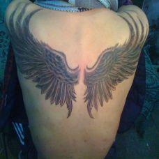 男生个性后背翅膀纹身图案大全