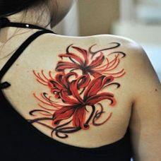肩部个性女生彼岸花纹身图案