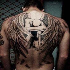 男生背部炫酷天使翅膀纹身图案大全