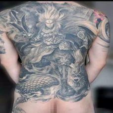 男士个性时尚满背二郎神纹身图案欣赏