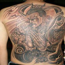 男生满背二郎神纹身图案欣赏