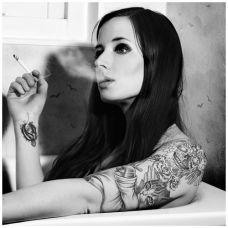 欧美美女手臂麒麟纹身图案时尚个性