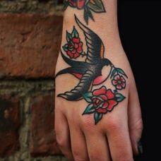 男生个性的翅膀纹身图案精选