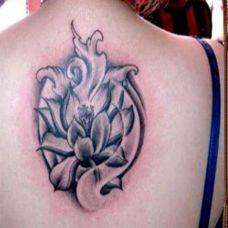 花卉精美独特女生纹身图案大全