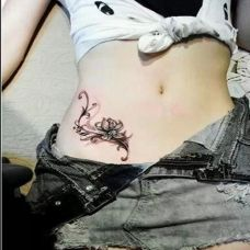 女性腰部性感纹身图案唯美经典