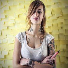 性感美女个性彩色纹身图案