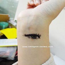 手腕个性逼真纹身大图案美女