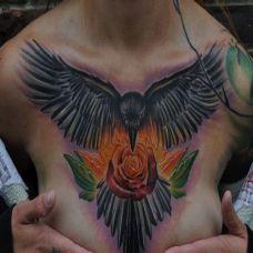 性感美女胸部纹身图案精美个性
