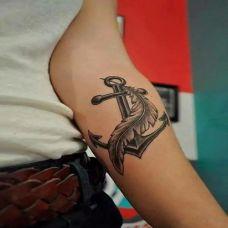 羽毛遮盖个性纹身图案精选