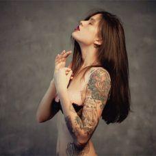 美女纹身性感艺术图片