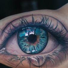 三角眼睛逼真个性纹身图案