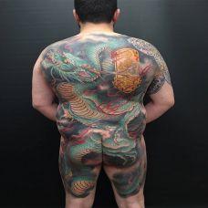 青龙飞天,满背霸气青龙彩绘纹身