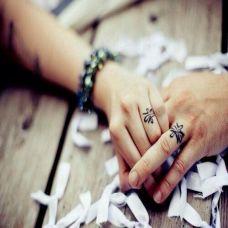 情侣手指个性时尚图案纹身