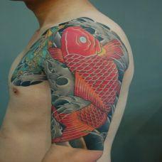 鲤鱼臂上半甲纹身图案大全