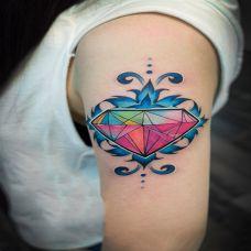恒久的誓言,手臂钻石图腾彩绘纹身