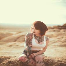 性感女郎半甲纹身写真高清大图