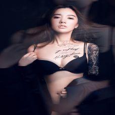 女胸前纹身图案 傲然挺立的诱惑
