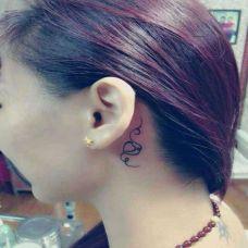 耳背小巧唯美纹身图案大全