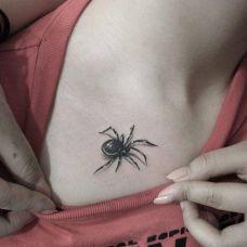 女士蜘蛛纹身图片图案
