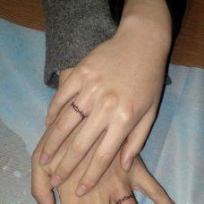 情侣手指图案纹身约定之戒