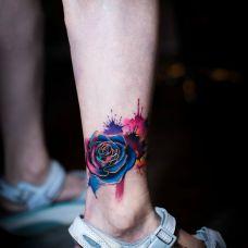 梦幻的色彩,脚踝泼墨炫彩玫瑰创意纹身