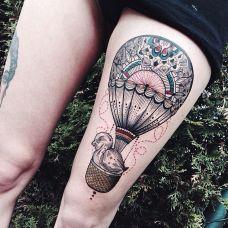 旅行风向标,大腿热气球彩绘纹身