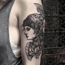 女士大臂士兵纹身图案