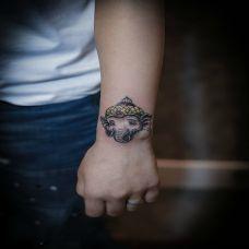 慈悲为怀,手腕象神小图彩绘纹身