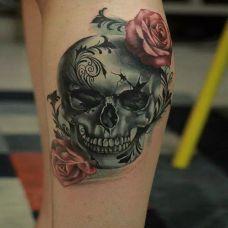 手臂骷髅纹身图案大全 花与骷髅相伴相依