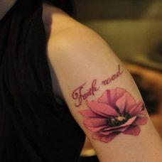 带刺玫瑰手臂纹身图案大全