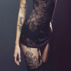 大腿纹身欧美女生图案
