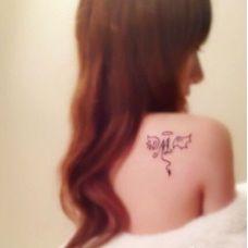美女肩部天使图腾纹身图片大全