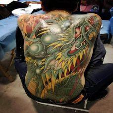 蛟龙出水,霸气青龙满背纹身