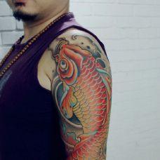 手臂鲤鱼纹身图案大全